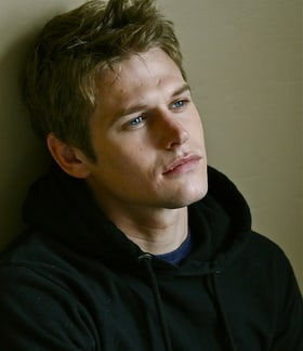 zach roerig gif icons